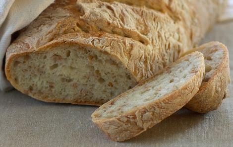 Brød med hele speltkorn