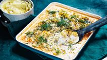 Fiskegratin med tomat, dild og kartoffelmos