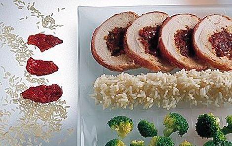 Fyldt kalkunbryst med rødvinssauce