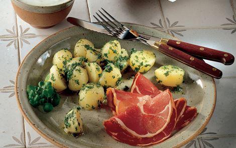 Persillekartofler med røget lammekølle