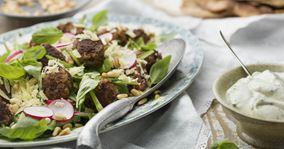 Quinoasalat med oksekødboller