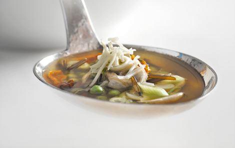 Suppe med vilde ris og champignoner