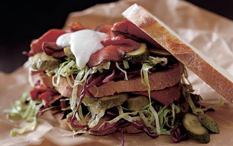 Roastbeefsandwich med rødkål
