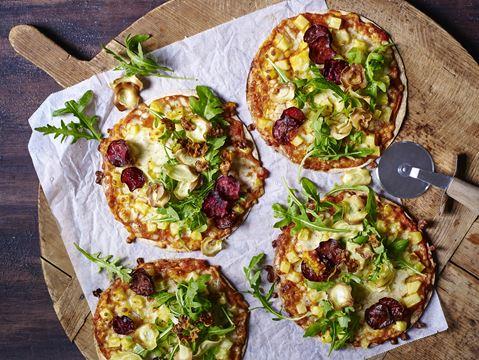 Små pizzaer med sprøde rodfrugter