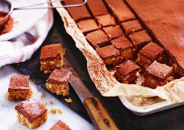 Sprøde chokoladebidder - a la snickers