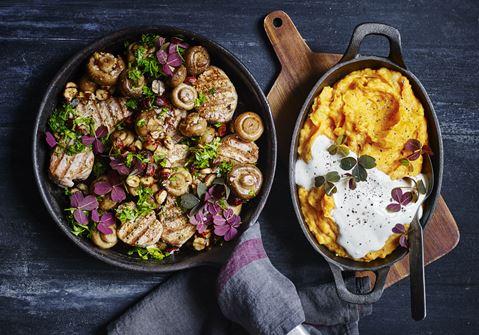 Gylden kartoffelmos og grillede mørbradbøffer