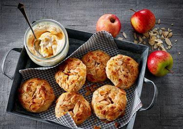 Små æbletærter med saltkaramel