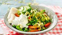 Lyssej med tagliatelle, squash og asparges
