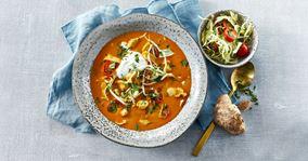Hurtig tomatsuppe med kylling og spidskål