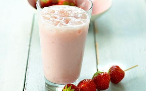 Yoghurtdrik med jordbær