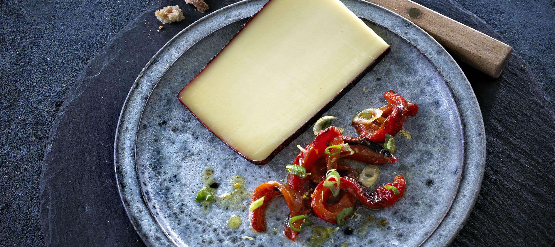 Marinerede, grillede peberfrugter til ost
