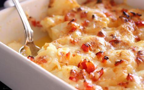 Ostegratinerede kartofler