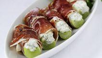 Selleristave med blåskimmelost og lufttørret skinke