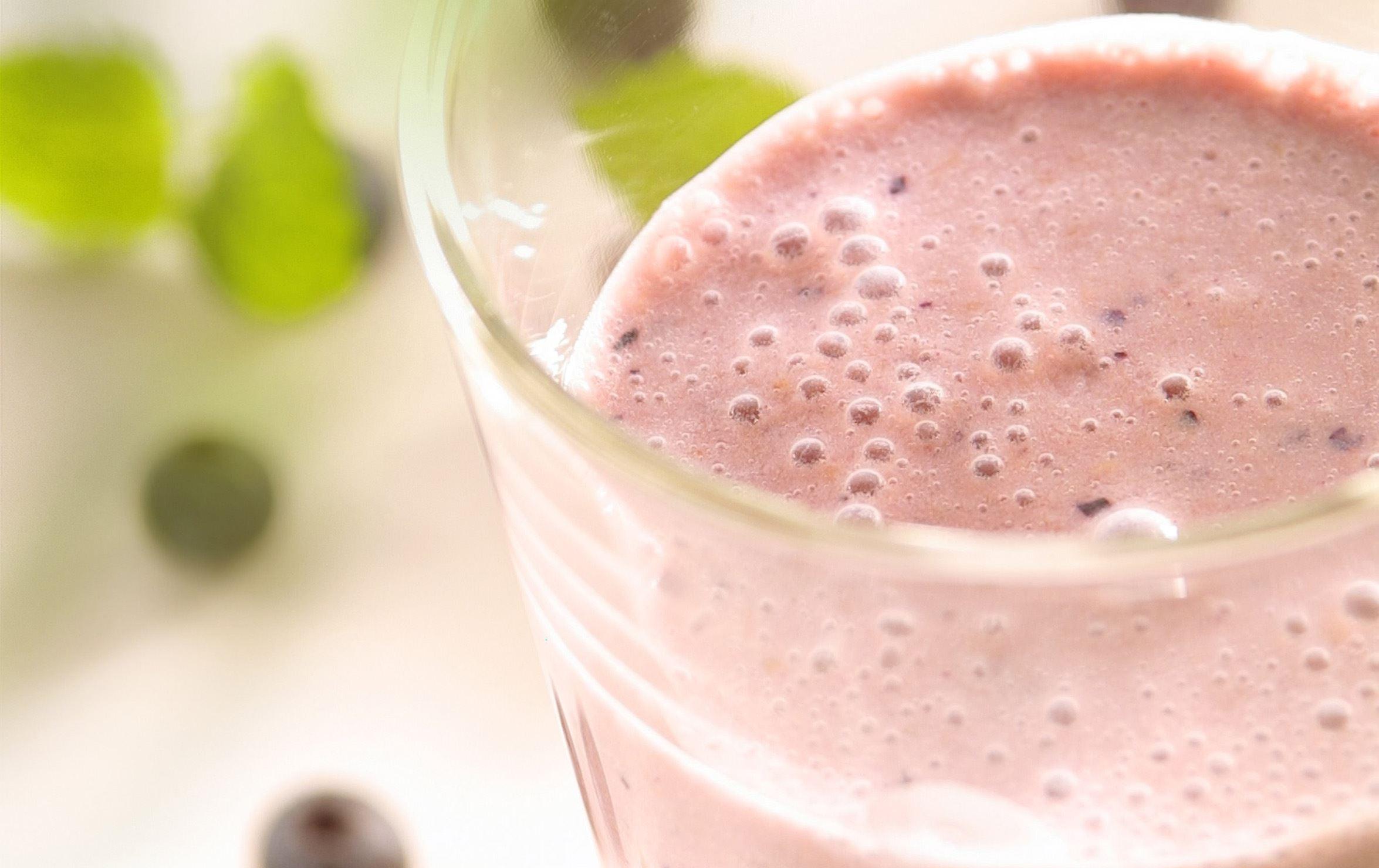 Blåbær- og ferskensmoothie