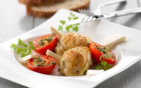 Bagt tomatsalat med pestokylling