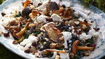Speltkerner med svampe og spinat