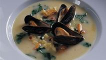 Muslingesuppe med østers