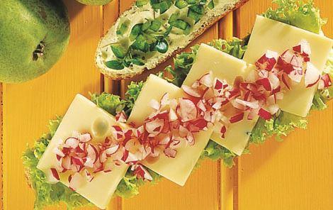 Flutes med ost og radiser