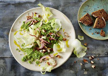 Broccolipuré med sprød broccolistok