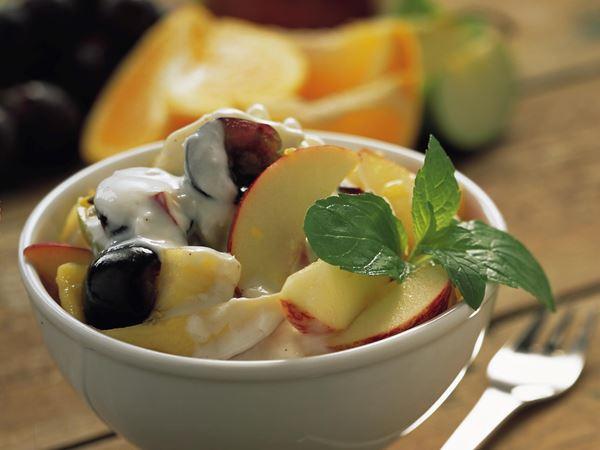 Frugtsalat med frisk kokoscreme