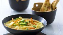 Hot suppe med kylling og bambusskud