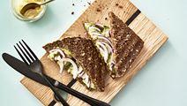 Panini med rugbrød og avocado