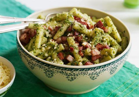 Pasta med grønkålspesto