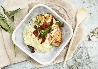 Græsk kyllingefilet med kartoffelmos