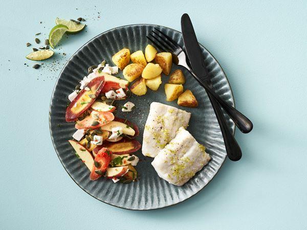 Bagt sej med æble-gulerodssalat