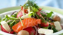 Citrusgravad laks med græsk salat