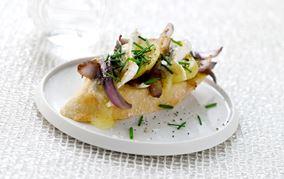 Kartoffelbrød med stegte løg