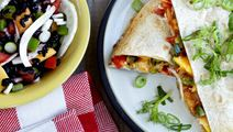 Quesadillas med tomat- og mangosalsa
