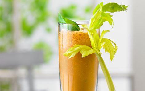 Kold tomatdrik med mælk