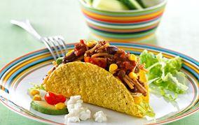 Tacoskaller med fyld - af en rest spaghetti og kødsauce