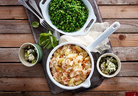 Skærising med rejerisotto og ærtesalat