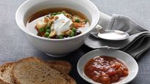 Lynsuppe med rodfrugter og salsa