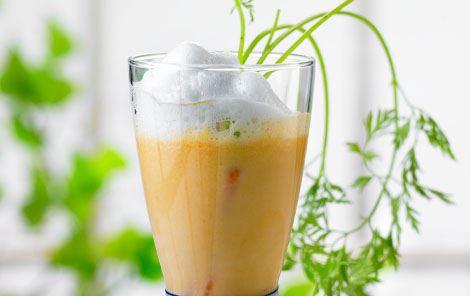 Varm gulerodscappuccino