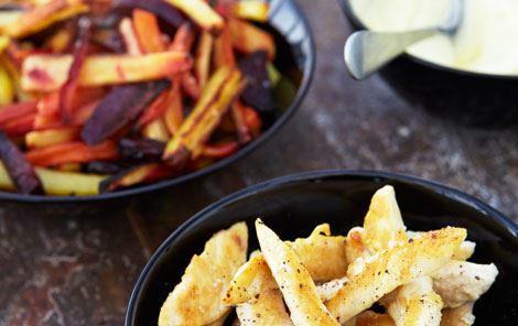 Rodfrugtfritter, kylling og mayo