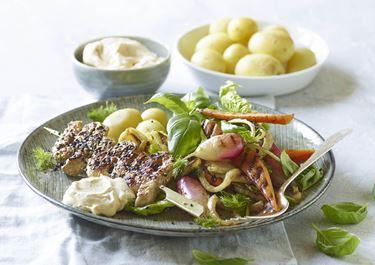 Grillstegte grøntsager og grillspyd