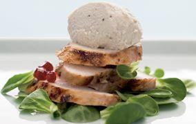 Kyllingemousse på salat