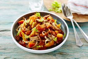 Hurtig pasta med okse og rodfrugter