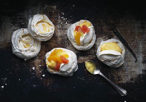 Lemon marengs med citrus-curd