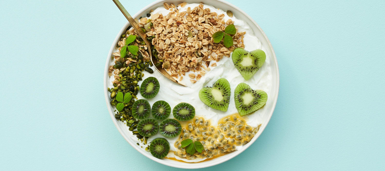 Skyr med kiwi og passionsfrugt