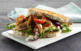 Sprød og krydret hytteost-sandwich
