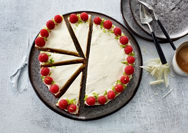 Hvid chokoladekage med sprød bund
