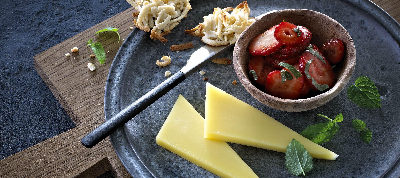 Balsamico-marinerede jordbær til ost