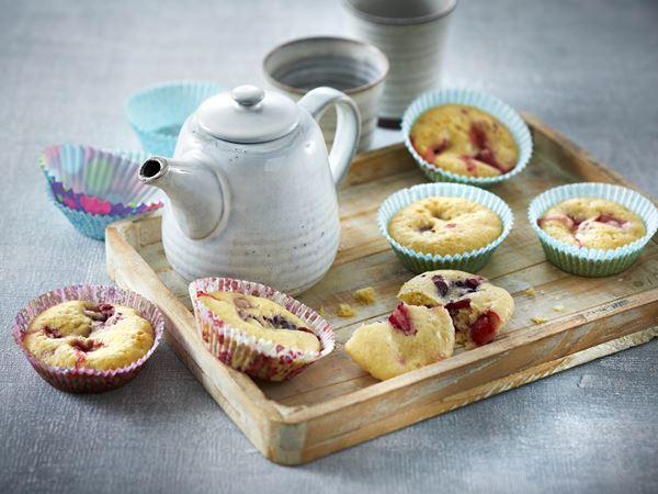Muffins med bær og hytteost