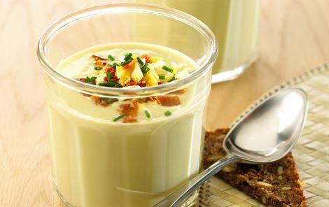 Aspargessuppe med æggedrys