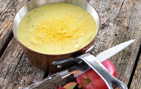 Karrysauce med æble og mangochutney