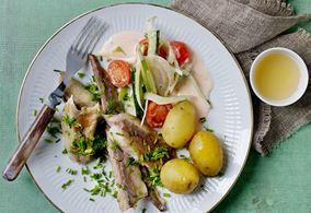 Røget makrel med grøntsager i flødesauce